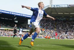 epa01326361 Birmingham City's Mikael Forssell celebrates his goal during the English Premiership match between Birmingham City and Liverpool at St. Andrew's Stadium, Birmingham, United Kingdom on Saturday, April  26, 2008.  EPA/ANITA MARIC NO ONLINE/INTERNET USE WITHOUT A LICENSE FROM THE FOOTBALL DATA CO LTD.