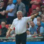 Työpaikkansa pitänyt Bruce kertoo, ettei Aston Villan avainpelaajat ole myynnissä
