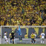 Häikäisevä Jesse Joronen torjui Serie A:n huippuseuran kumoon!