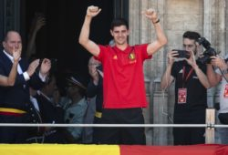 4.07659004 The Red Devils are pictured on the balcony of the cityhall of Brussels waving to their fans after their return from the 2018 world cup in Russia  * Thibaut Courtois Brussels 15/07/2018  IBL