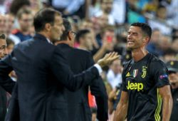 Sport Bilder des Tages 19th September 2018, Mestalla, Valencia, Spain; UEFA Champions League football, Valencia versus Juventus; Juventus Turin coach Massimiliano Allegri gives instructions to their players while Cristiano Ronaldo of Juventus Turin leaves the pitch after seeing a red card PUBLICATIONxINxGERxSUIxAUTxHUNxSWExNORxDENxFINxONLY ActionPlus12063910 PedroxSalado