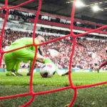 Hirveää sähläystä! Liverpoolin ja Tottenhamin otteluissa nähtiin karmaisevia maalivahtimokia