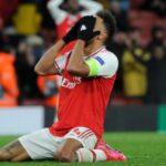 Gary Neville: Arsenal teki virheen Pierre-Emerick Aubameyangin kanssa heti ensimmäisenä päivänä