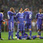 """Ex-pelaaja paljasti, kuinka tieto Jose Mourinhon potkuista vuonna 2007 järkytti Chelsean pelaajia: """"Pelaajat itkivät lattialla, tuntui siltä kuin joku olisi kuollut"""""""