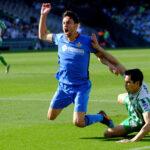 Liverpool algerialaispuolustajan perässä – siirtosumma vaivaiset 10 miljoonaa puntaa