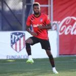 """Ghanan ex-maajoukkuepelaaja ei halua Thomas Parteyn siirtyvän Arsenaliin: """"Muuten hän menettää kaiken"""""""
