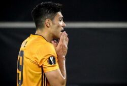 epa08597927 Wolverhampton's Raul Jimenez reacts after failing from the penalty spot during the UEFA Europa League quarter final soccer match between Wolverhampton Wanderers and Sevilla FC in Duisburg, Germany 11 August 2020.  EPA-EFE/Friedemann Vogel / POOL