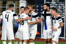 FInland players celebrate the opening goal by Robert Taylor, right, during the UEFA Nations League soccer match between Finland and Bulgaria at the Helsinki Olympic Stadium in Helsinki, Sunday, Oct. 11, 2020. (Jussi Nukari/Lehtikuva via AP)  AMB811