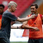 """Arsene Wenger jyrähti Arsenalin ja Mesut Özilin välisestä tilanteesta: """"Kykyjen tuhlausta!"""""""