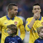 """Podolski ei sulata Arsenalin kohtelua Öziliä kohtaan – """"Noin ei vain yksikertaisesti saisi tehdä"""""""