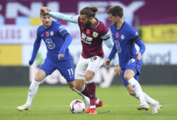 Burnley's Jay Rodriguez, centre, competes for the ball with Chelsea's Mason Mount, right, and Chelsea's Timo Werner, left, during the English Premier League soccer match between Burnley and Chelsea at Turf Moor stadium in Burnley, England, Saturday, Oct. 31, 2020. (Alex Livesey/Pool via AP)  LKW121